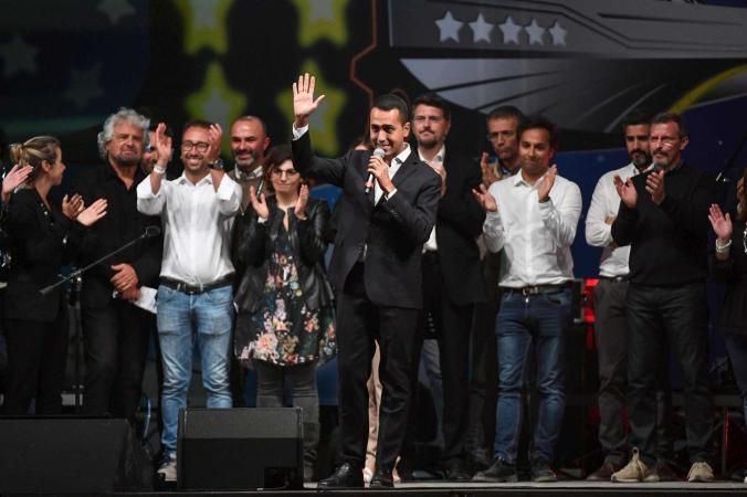 Di Maio candidato premier per i 5 Stelle